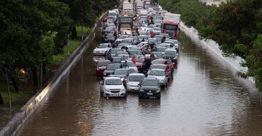 danos causados por enchente